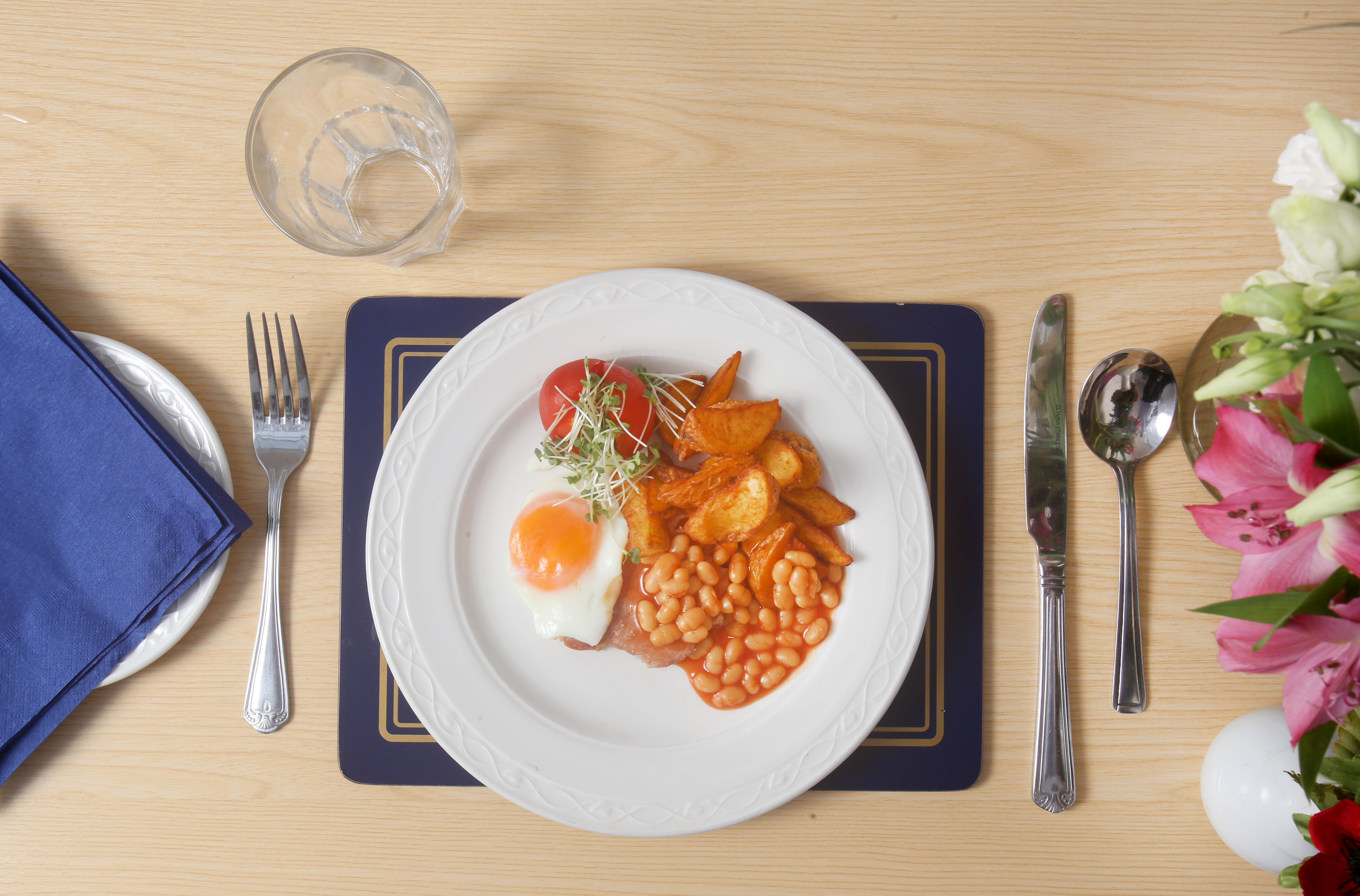 varied meals at Peregrine House